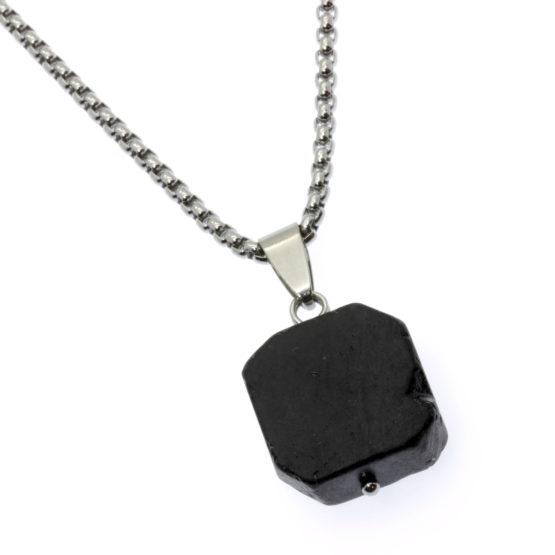 Colar com pedra natural turmalina negra