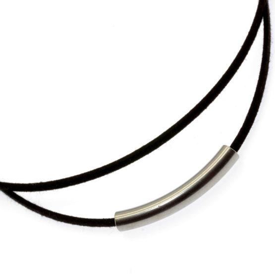 Chocker de camurça com tubo