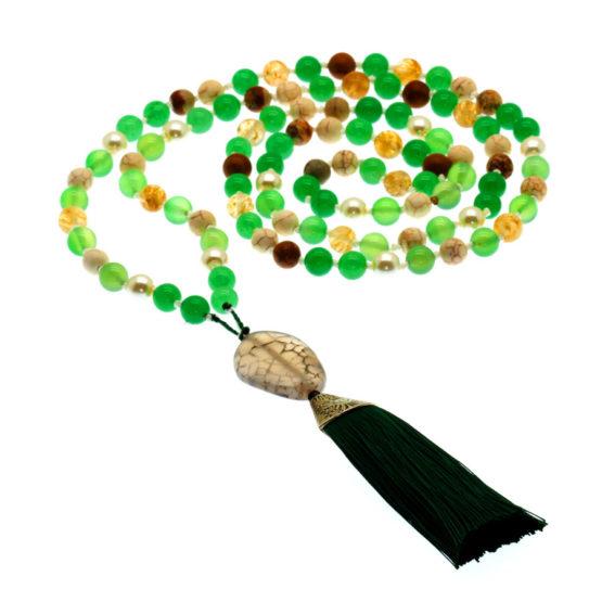 Japamala com pedras naturais jade e quartz verde