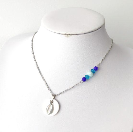 Colar búzio e cristais azuis