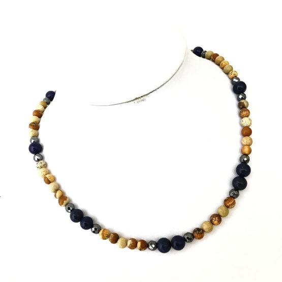 Colar com pedras naturais jaspe - lápis lázuli e hematite